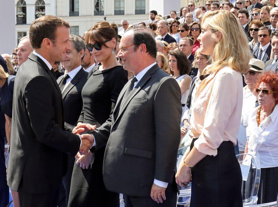 François Hollande, Julie Gayet, Nicolas Sarkozy Et Carla Bruni À La Cérémonie De L'entrée Au Panthéon De Simone Veil ( 9