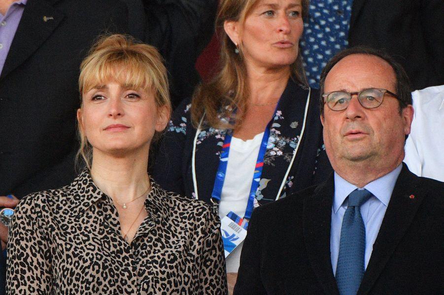 François Hollande et Julie Gayet, supporters des Bleues