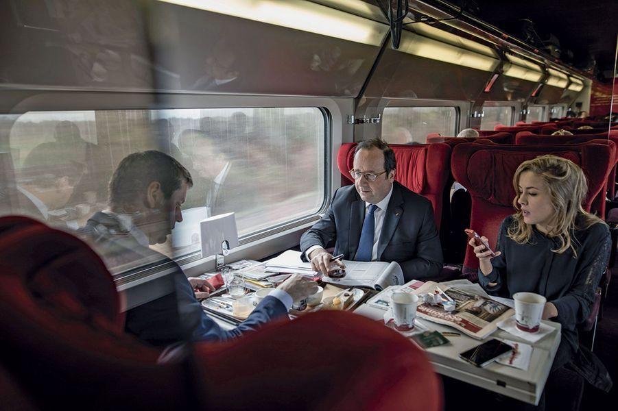 Le 3 avril, voyage à Rotterdam pour sa fondation La France s'engage, avec Jean Saslawsky, directeur général, et Sybil Gerbaud, conseillère presse.