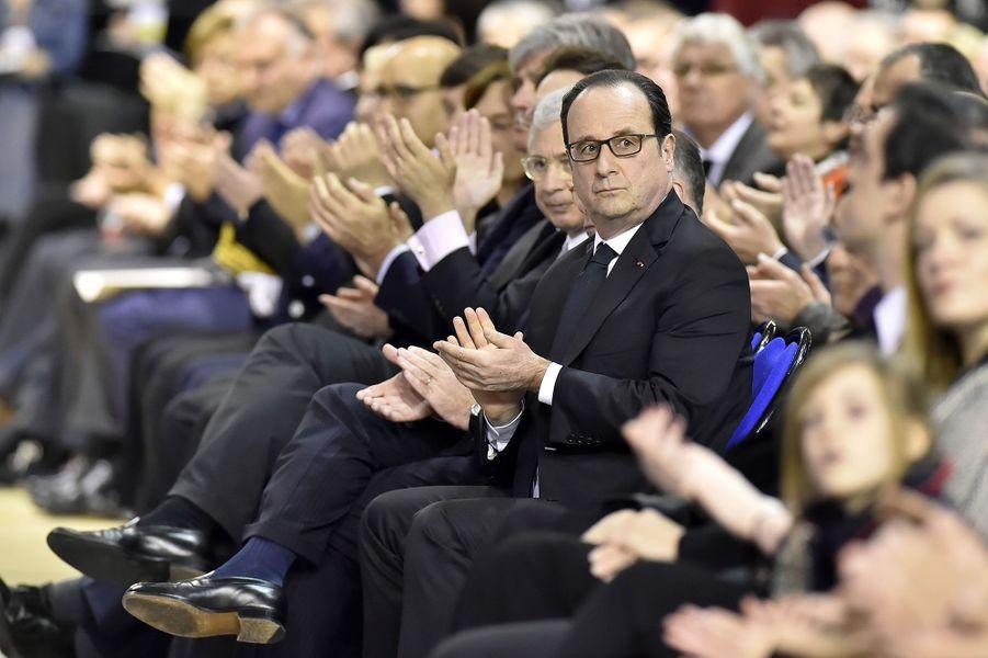 François Hollande lors des obsèques d'Henri Emmanuelli, samedi à Mont-de-Marsan.