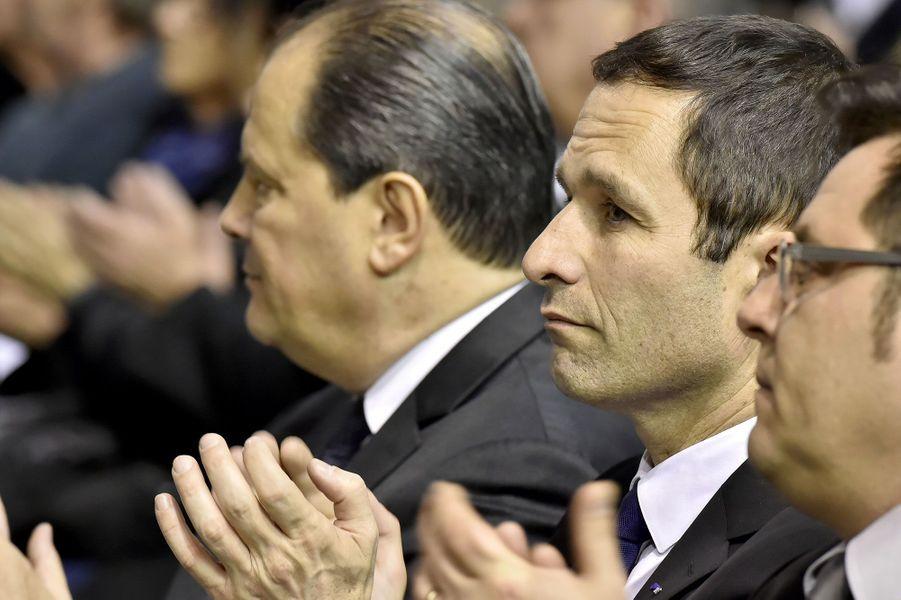Jean-Christophe Cambadélis et Benoît Hamon, côte-à-côte lors des obsèques d'Henri Emmanuelli.