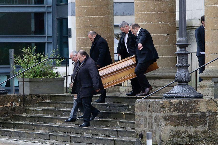 Le cercueil de Henri Emmanuelli, samedi à Mont-de-Marsan.