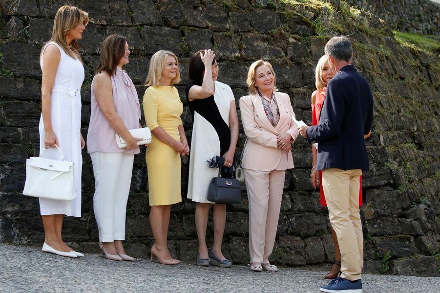 Melania Trump, Jenny Morrison, Małgorzata Tusk, Akie Abe, Cecilia Morel et Brigitte Macron à Espelette dimanche matin.