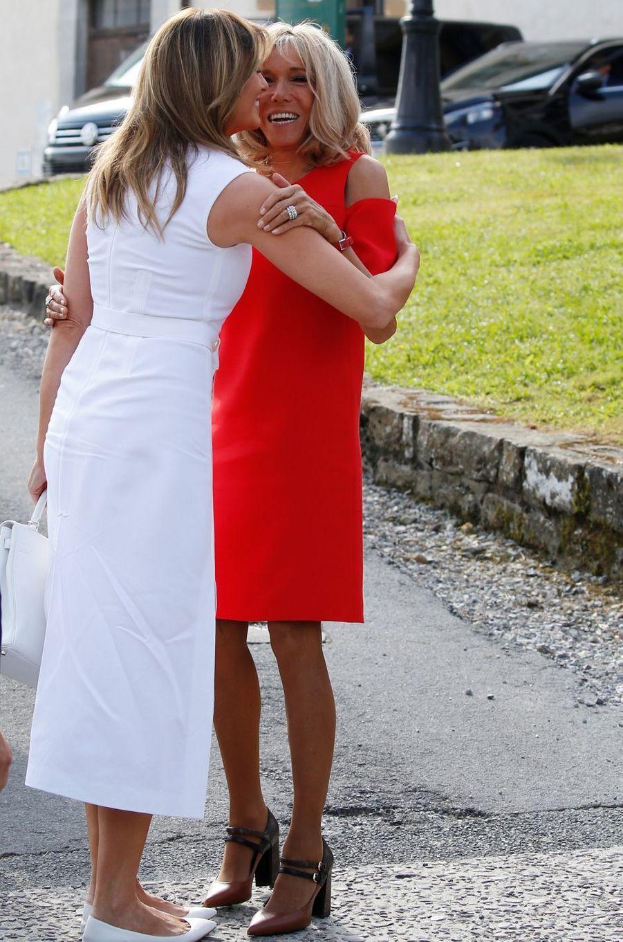 Melania Trump et Brigitte Macron à Espelette, dimanche matin.