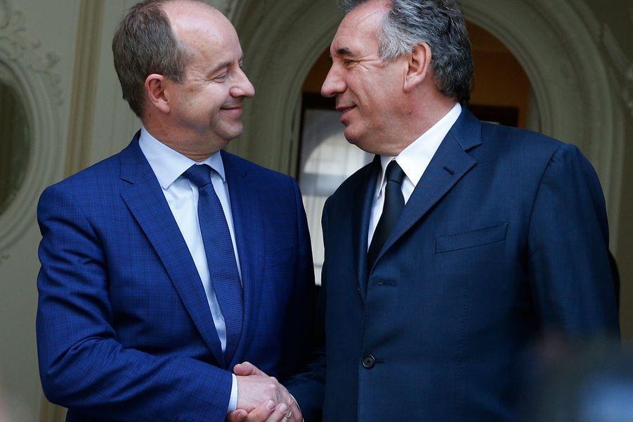 Francois Bayrou, le nouveau Garde des Sceaux etJean-Jacques Urvoas.