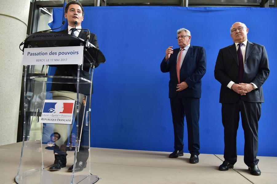 Gérald Darmanin, mercredi aux côtés de Christian Eckert et Michel Sapin, est le nouveau ministre de l'Action et des comptes publics.