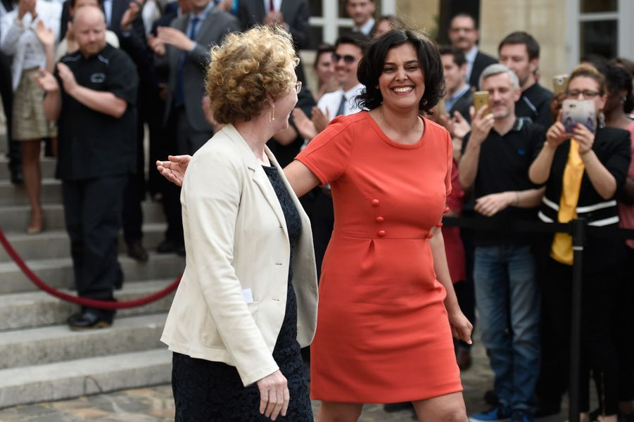 Passation de pouvoirs entre Myriam El Khomri et la nouvelle ministre du Travail Muriel Pénicaud.