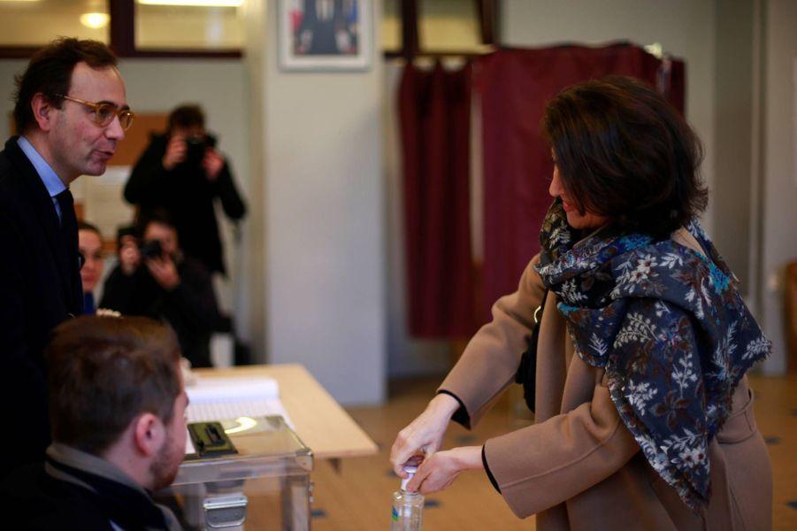 Agnès Buzyn a voté à Paris pour le premier tour des élections municipales, le 15 mars 2020.
