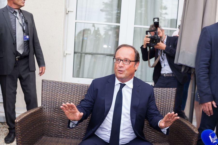 François Hollande face à la presse au Festival dAngoulême.