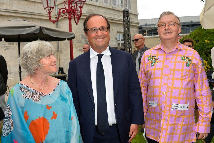 François Hollande et les organisateurs de l'évènement : Marie-France Briere et Dominique Besnehard.
