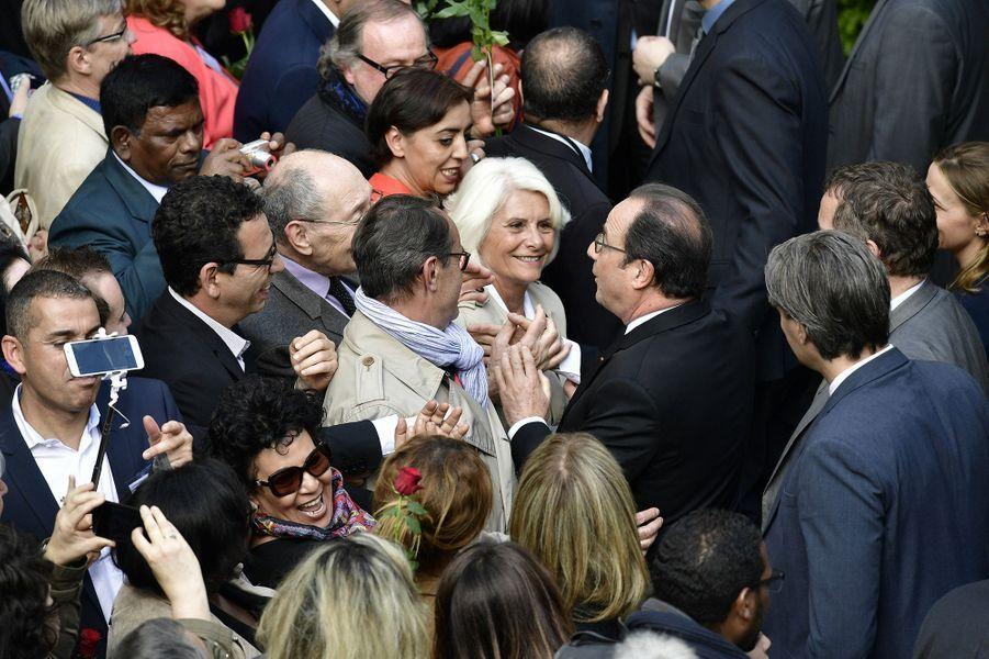 François Hollande au siège du PS, dimanche, après la passation de pouvoirs