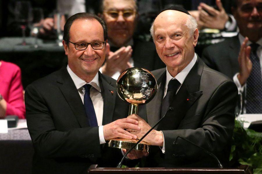 Francois Hollande et Arthur Schneier