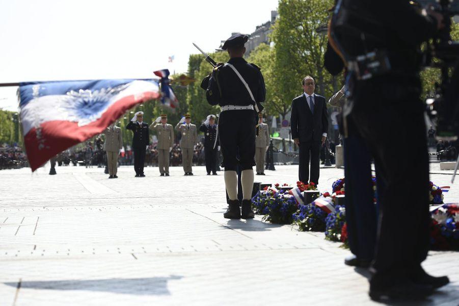 François Hollande sur les Champs-Elysées