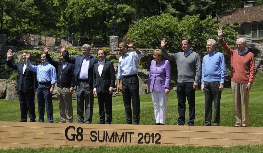 Avec les chefs d'Etats du G8, François Hollande a posé pour la traditionnelle photo de famille. Durant son séjour à Camp David, il a rencontré les dirigeants italien, britannique, japonais et canadien.