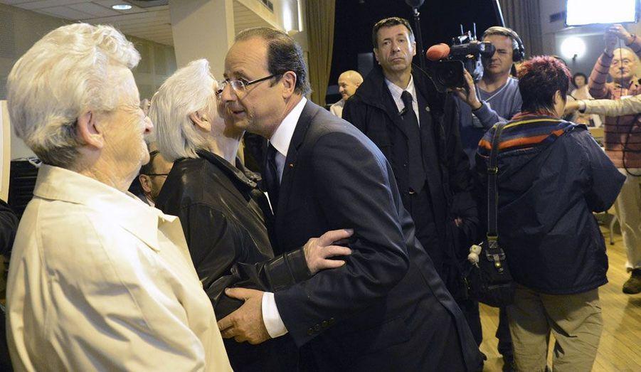 Le président de la République a voté dans son fief de Tulle, dimanche. La veille, François Hollande avait assisté, comme tous les ans, aux commémorations du massacre de Tulle, commis par la division SS Das Reich en 1944.