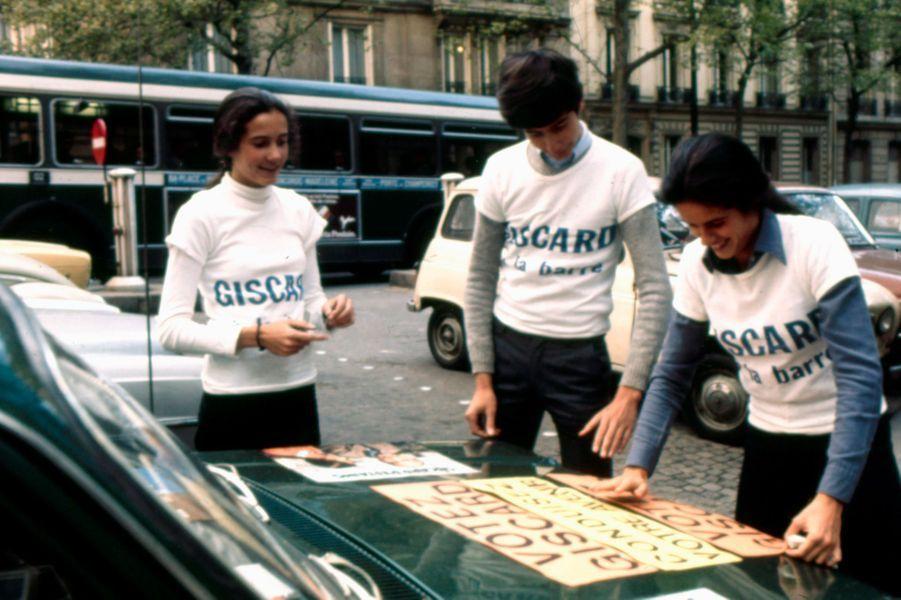 En 1974, Jacinte, sa soeur et un de ses frères participent à la campagne présidentielle de leur père.