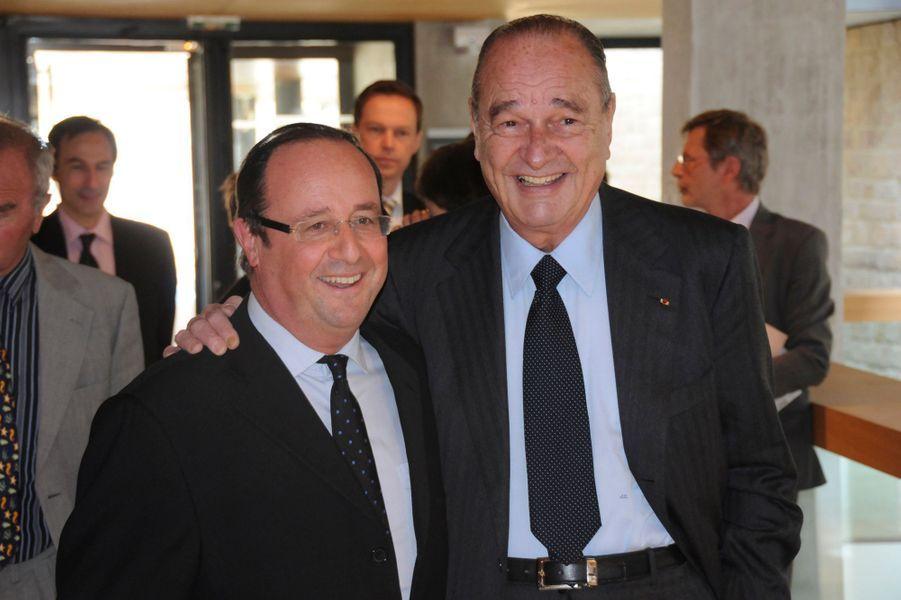 19 mars 2010.Jacques Chirac et son épouse Bernadette ont inauguré l'exposition «Dior, la passion créatrice» dans l'enceinte du musée du président Jacques Chirac, dans le village de Sarran, en Corrèze. Ici, Jacques Chirac et François Hollande, président du Conseil général de la Corrèze.