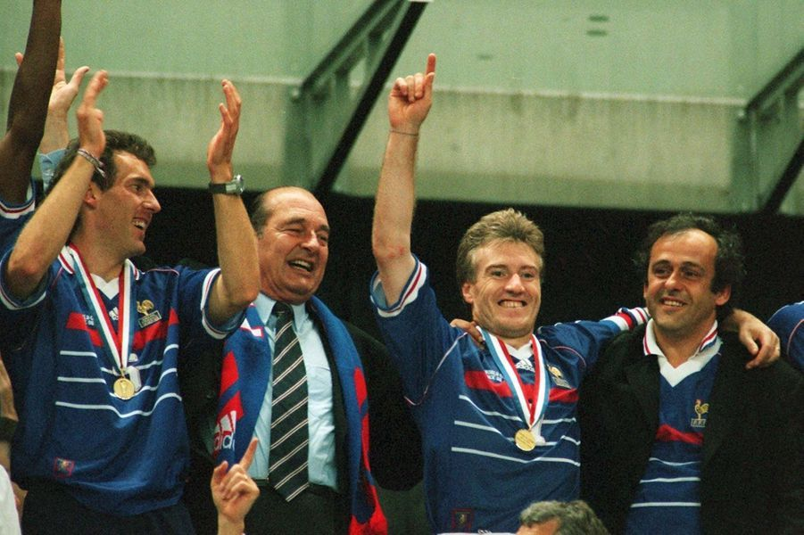 Jacques Chirac lors de la victoire de la France face au Brésil le 12 juillet 1998, en finale de la Coupe du monde au Stade de France.