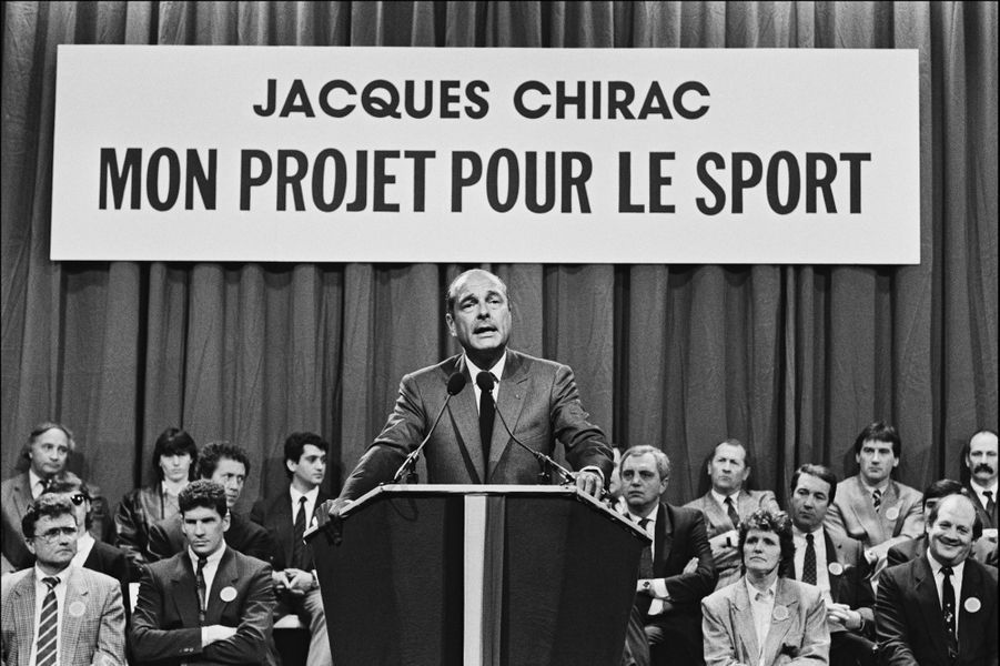 Jacques Chirac détaille ses projets pour le sport en 1988.