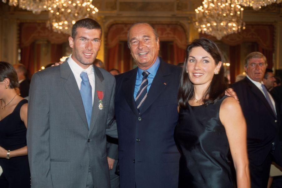 En compagnie de Zinédine Zidane et de sa femme en 1998