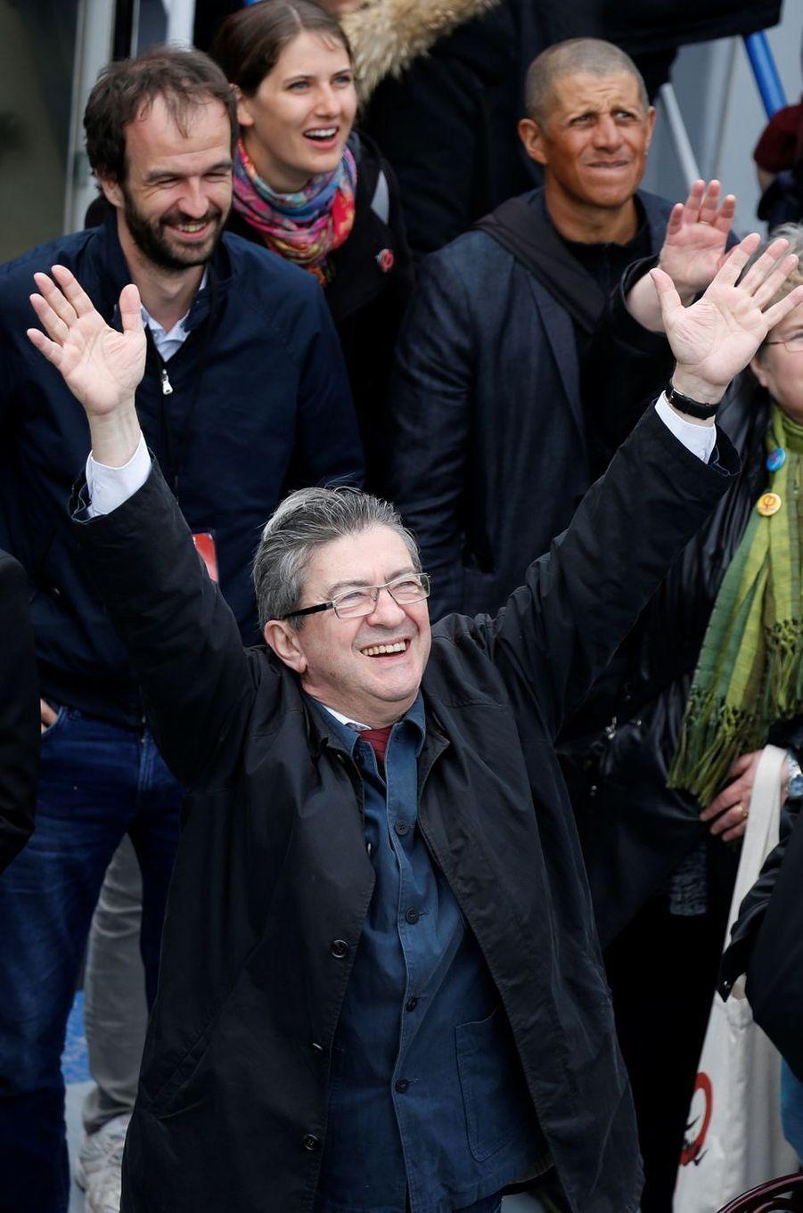 Jean-Luc Mélenchon sur «La péniche insoumise», le 17 avril 2017.