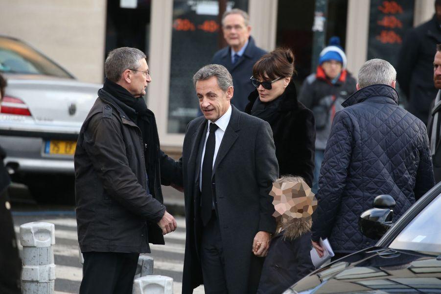 Nicolas Sarkozy aux côtés de son épouse Carla et de leur petite fille Giulia.
