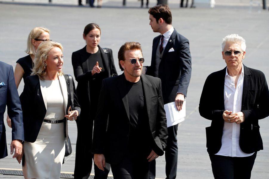 Camilla de Bourbon des Deux-Siciles, Bono et Adam Clayton à Nice.