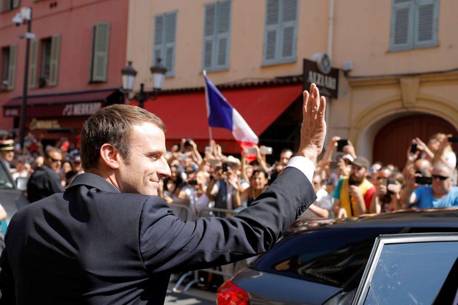 Arrivée à Nice d'Emmanuel Macron pour assister aux hommages aux victimes de l'attentat de Nice.