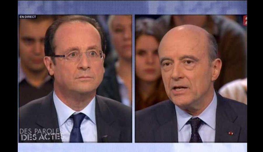 """François Hollande est l'invité de """"Des Paroles et des actes"""", sur France 2. Le candidat socialiste y a notamment débattu, pendant 40 minutes, avec le ministre des Affaires étrangères, Alain Juppé, principalement des finances publiques. Le même jour, il venait de présenter ses 60 engagements pour la France."""