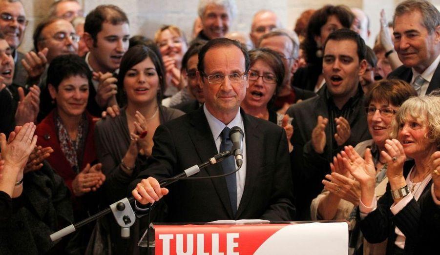 François Hollande est en campagne depuis plus d'un an, lorsque le 31 mars 2011, il annonce sa candidature à la primaire socialiste depuis son fief de Tulle, en Corrèze. Il n'est alors pas le favori: Dominique Strauss-Kahn paraît le plus probable futur adversaire de Nicolas Sarkozy.