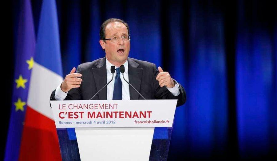 Le candidat socialiste présente les mesures qu'il prendrait lors de sa 1e année de mandat s'il était élu –alors que Nicolas Sarkozy publie sa lettre aux Français.