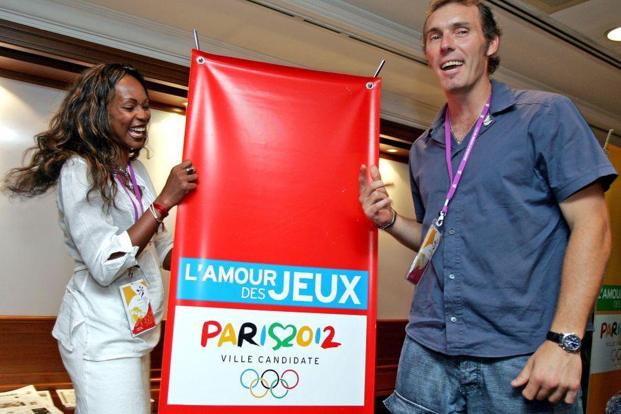 Laura Flessel et Laurent Blanc à Singapour pour supporter la candidature de Paris 2012.