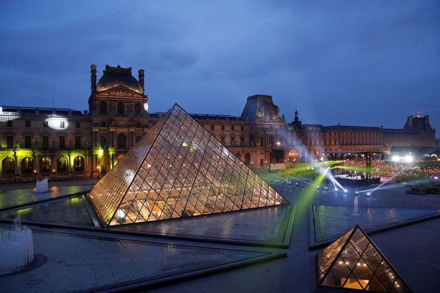 La fête au Louvre.