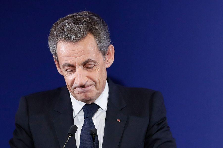 """Emu, Nicolas Sarkozy souhaite """"bonne chance"""" à la France."""