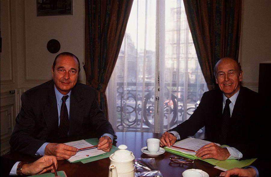En février 1994, les deux meilleurs ennemis de la Ve République se retrouvent. A ce moment-là, VGE n'a pas renoncé à une nouvelle candidature à l'Elysée.