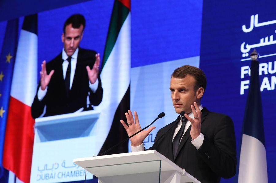 Emmanuel Macron à la chambre de commerce deDubaï.