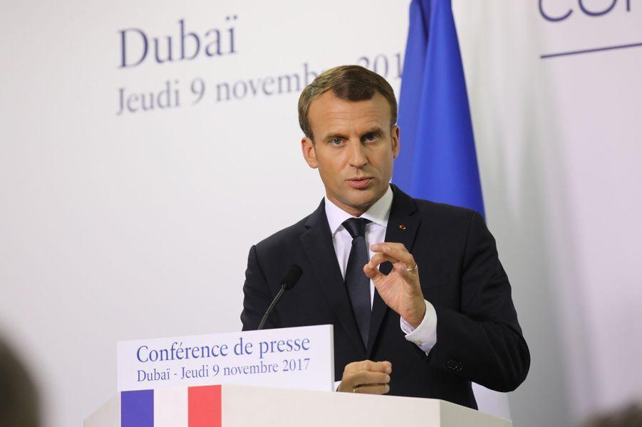 Le président français en conférence de presse àDubaï.