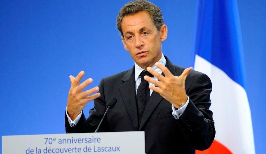 """Nicolas Sarkozy a annoncé que les Archives nationales à Paris accueilleraient le siège de son projet de """"Maison de l'histoire de France""""."""