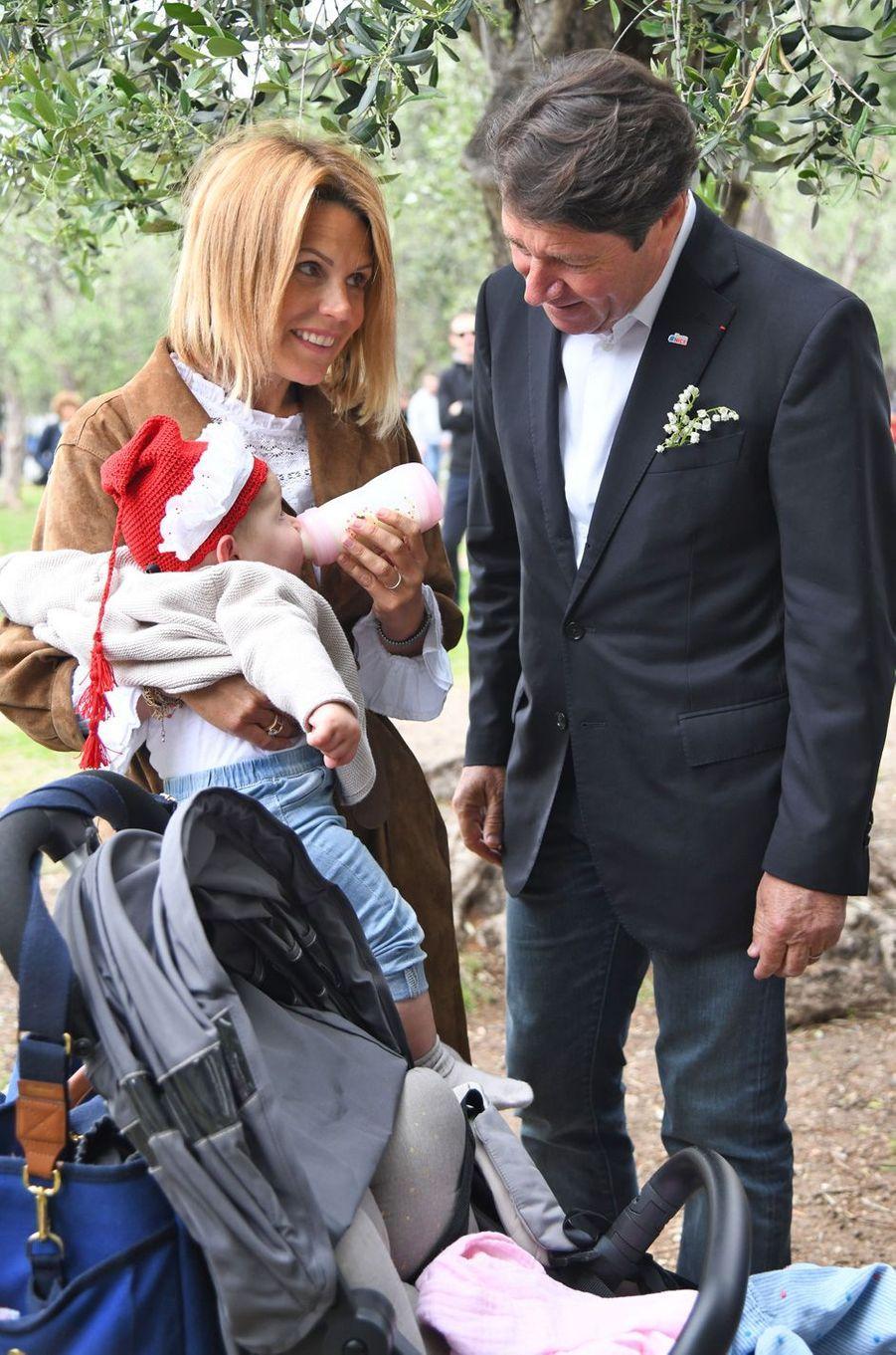 Christian Estrosi et son épouse Laura Tenoudji avec leur fille Bianca, née en août dernier.