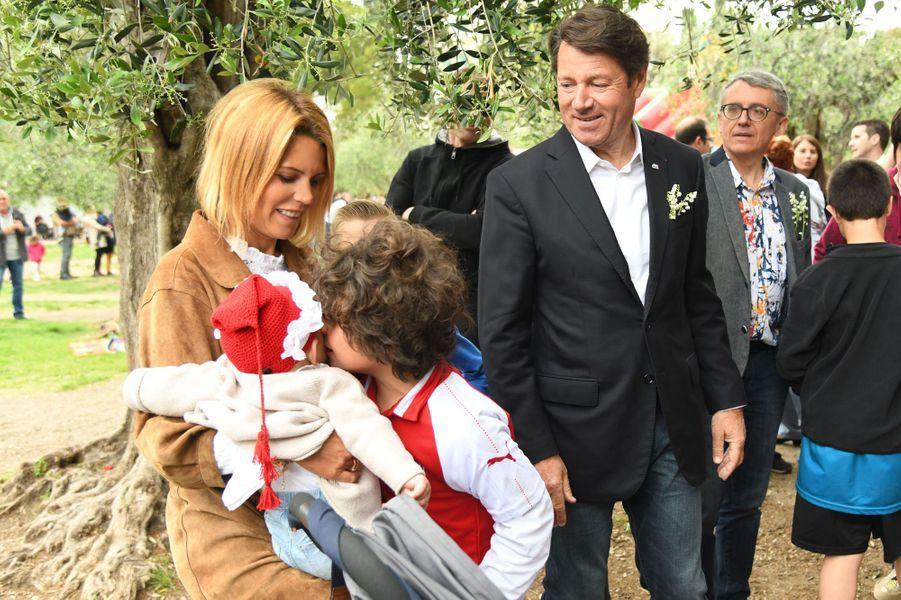 Christian Estrosi et son épouse Laura Tenoudji avec leur fille Bianca, née en août dernier etle fils de la journaliste, Milan, né d'une précédente union.
