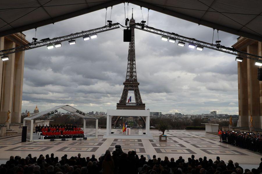 La cérémonie de la première Journée nationale d'hommage aux victimes du terrorisme, au Trocadéro
