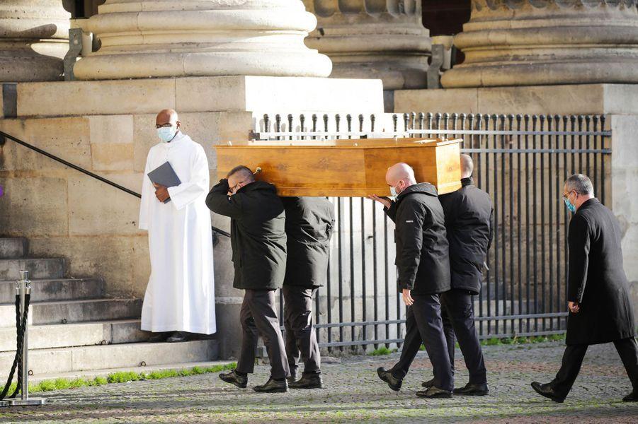 Les obsèques de l'ancienne ministre Marielle de Sarnez se sont déroulées ce lundi en l'église Saint-Sulpice à Paris.