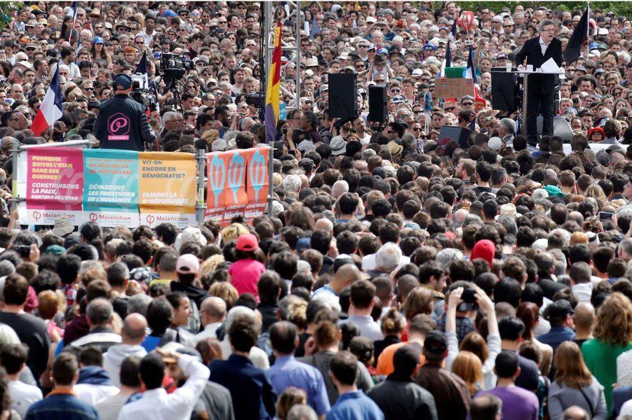 Jean-Luc Mélenchon en meeting à Toulouse dimanche.
