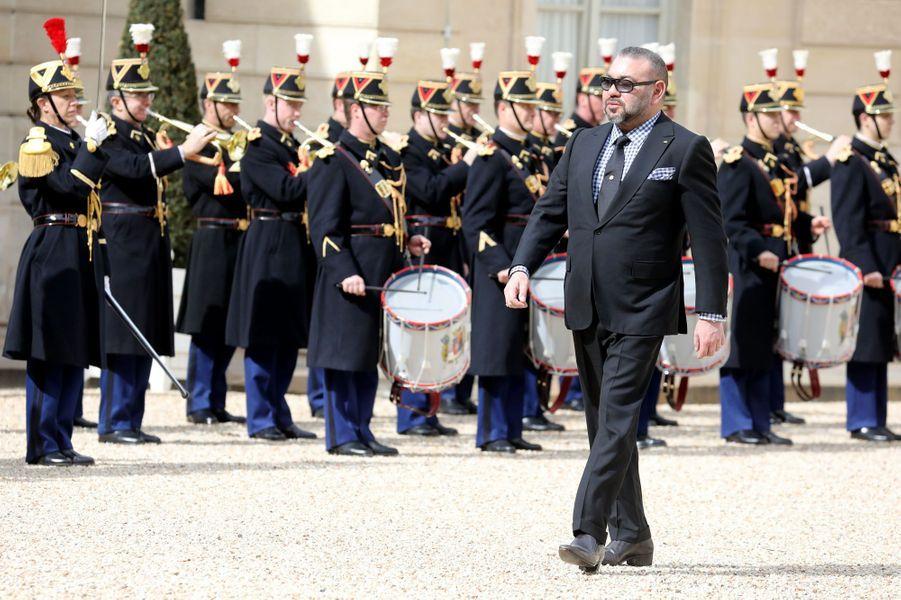 Le roi du Maroc Mohammed VI reçu par Emmanuel Macron à l'Elysée