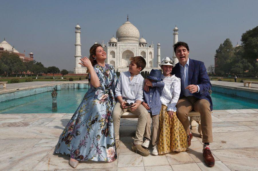 Justin Trudeau, Sophie Grégoire et leurs enfants au Taj Mahal en février 2018.