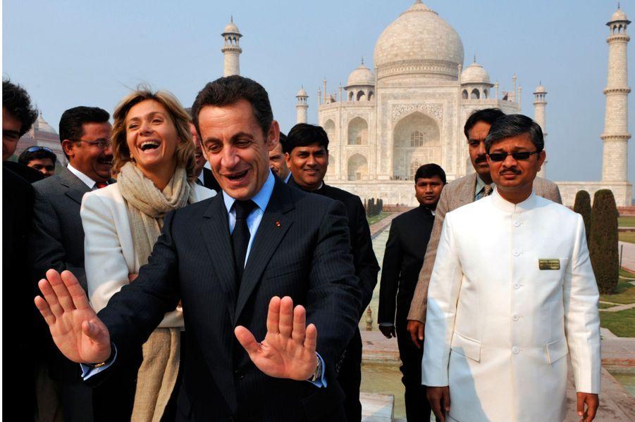 Nicolas Sarkozy lors de sa visite au Taj Mahal en janvier 2008.