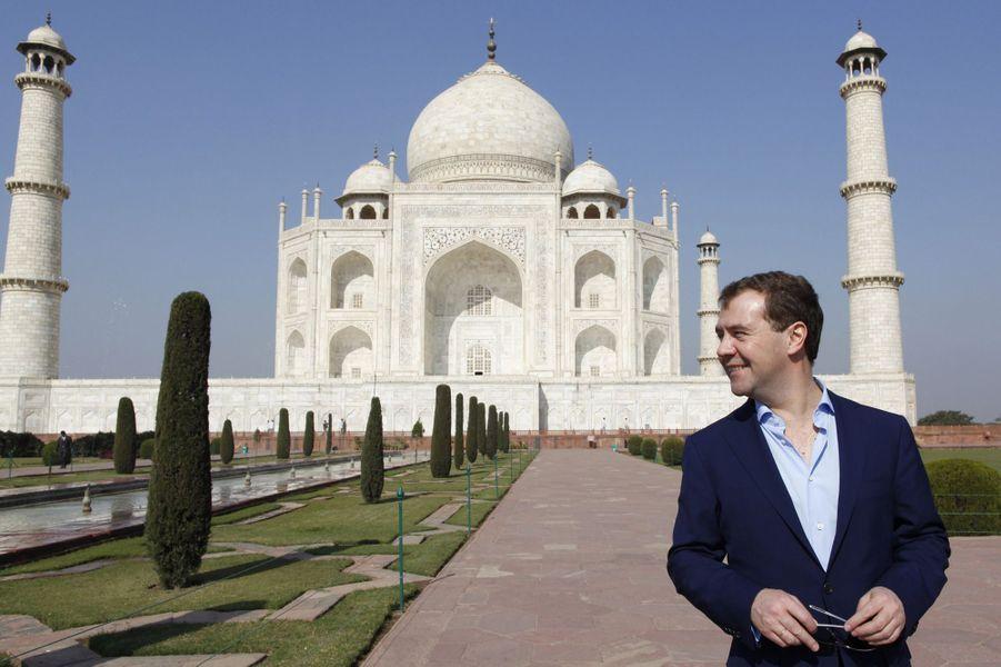 En décembre 2010, le président russeDmitry Medvedev visite le Taj Mahal.
