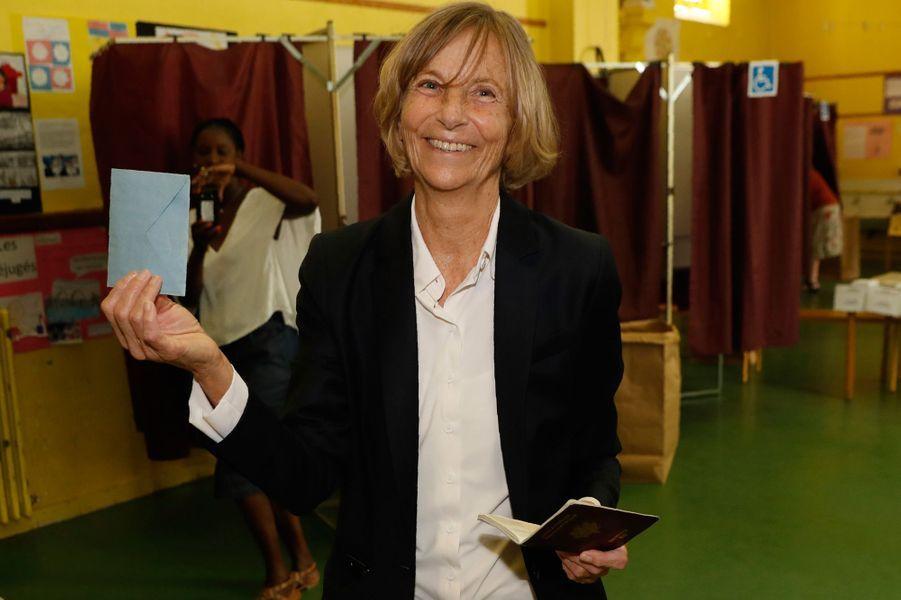 Marielle de Sarnez, ministre desAffaires européennes est arrivée largement en tête avec environ 40% dans la 11e circonscription de Paris.