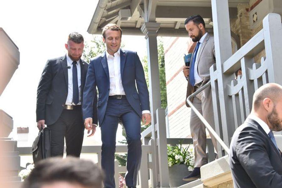 Emmanuel Macron quitte sa résidence du Touquet pour rejoindre la capitale.