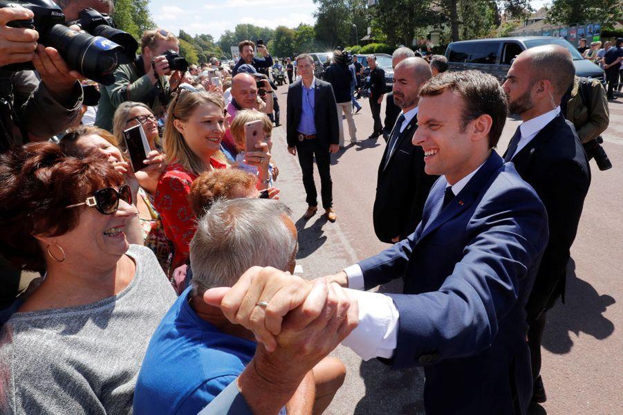 Bain de foule pour Emmanuel Macron au Touquet.